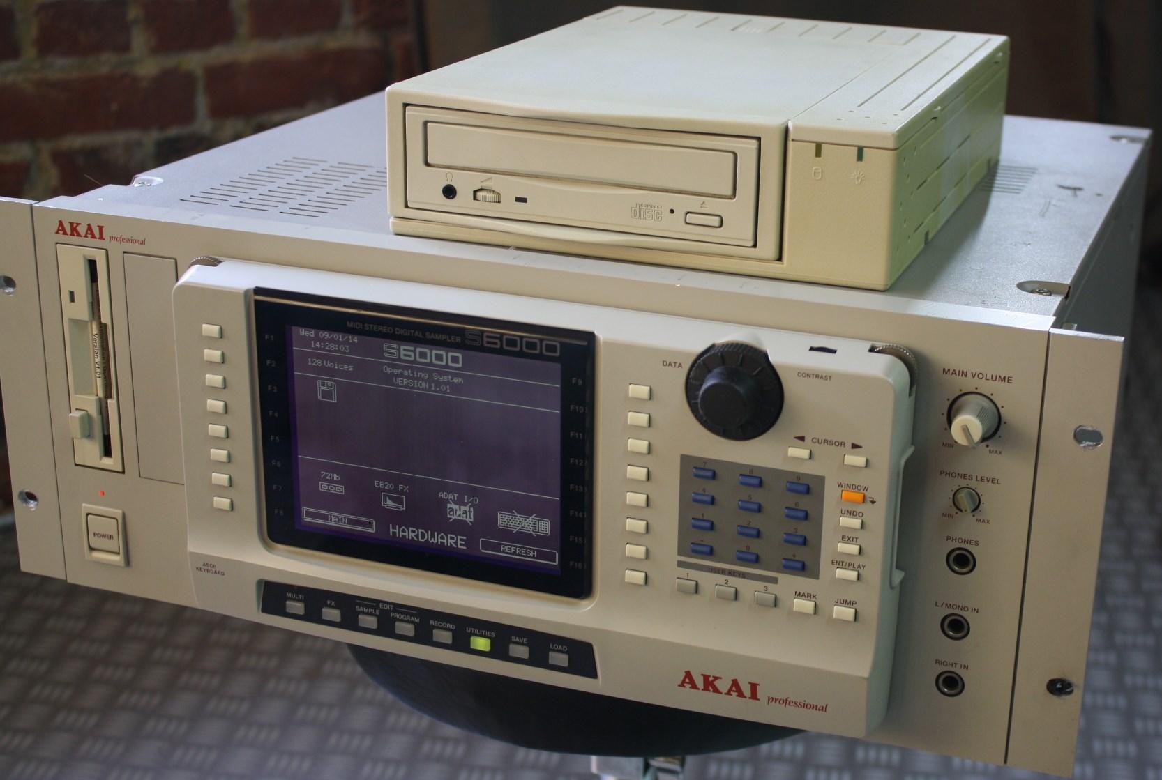 akai-s6000-02
